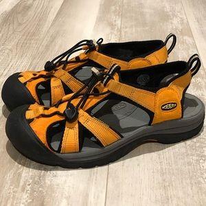 Keen hiking/water shoes
